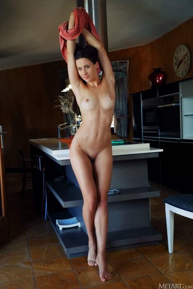 Mara Blake дома