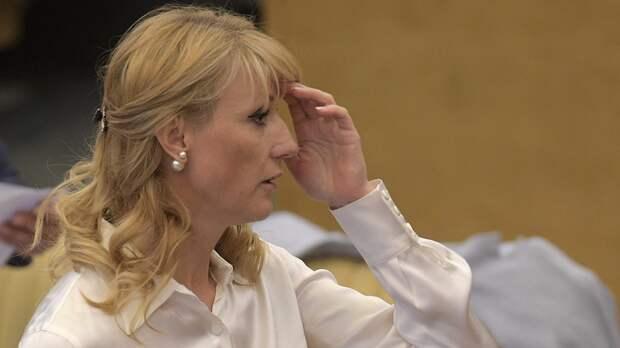 «Может, оноппозиционер». Депутат Журова оценила слова вратаря Фролова, предсказавшего чипизацию россиян властями