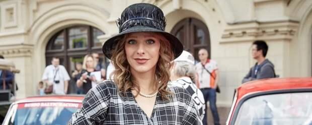 Лиза Арзамасова дала девушкам ценный совет о красоте