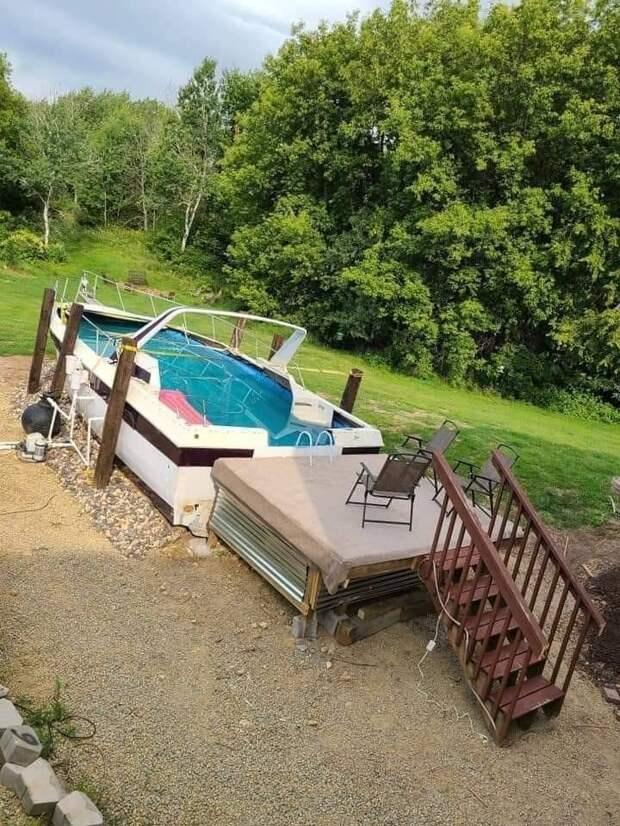 Бассейн из лодки