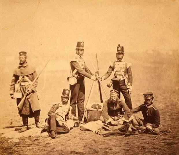 Глумление англо-французских войск над могилами русских адмиралов