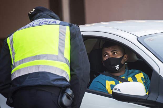 По Сеуте продолжают бродить 3 тысячи нелегалов