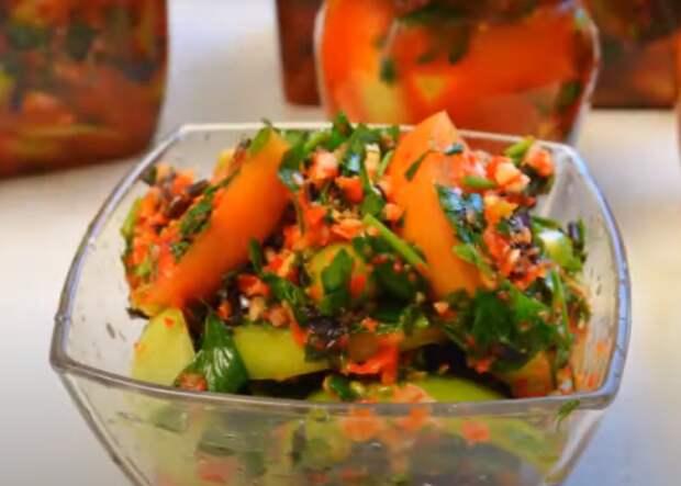 Зеленые помидоры в овощной заливке