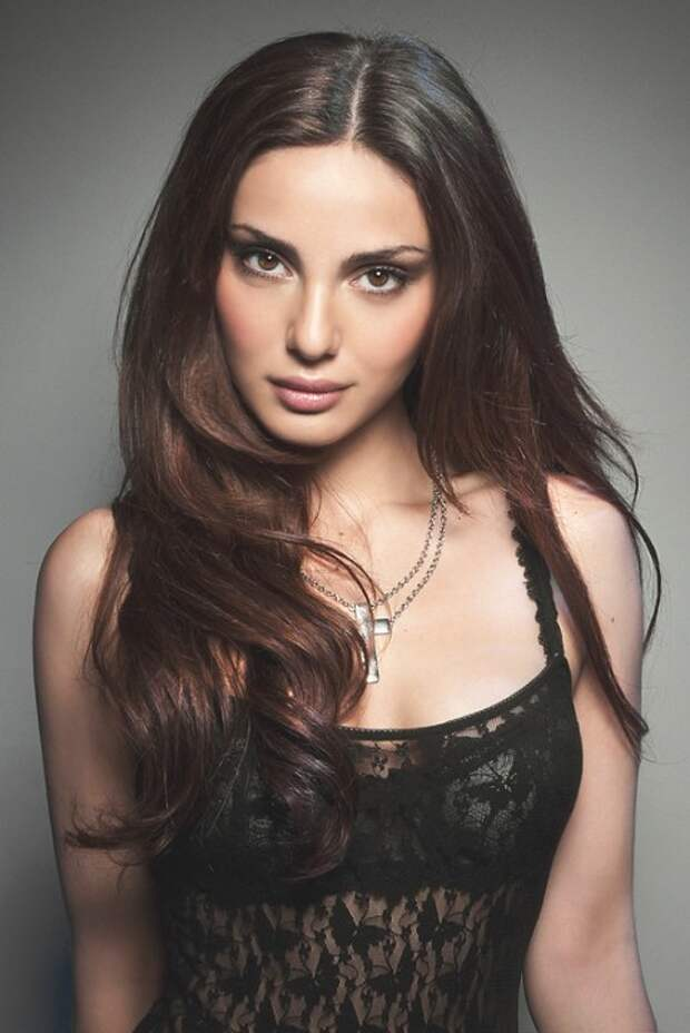 Кто из этих красивых девушек народов Кавказа всех милее и краше?