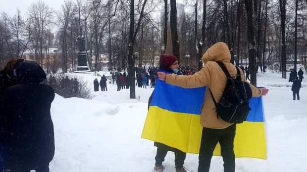 Паззл сложился: Боевики Навального, МI-6 и СБУ вместе шатают Россию