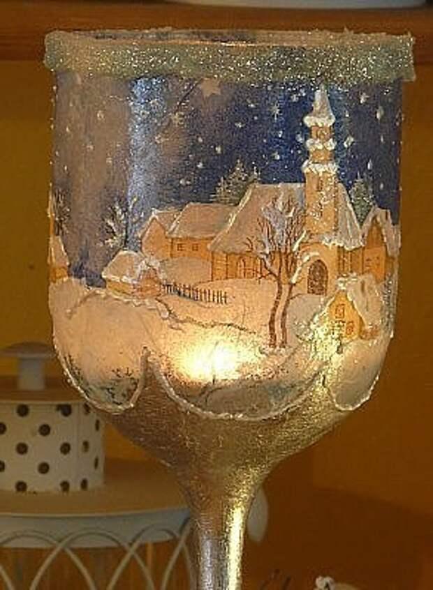 Очень красивый декупаж фужера под свечу сделанный своими руками.