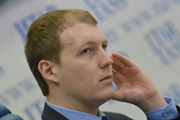 Экс-депутат Госдумы и комиссар «Наших» Шлегель объяснил переезд в Германию