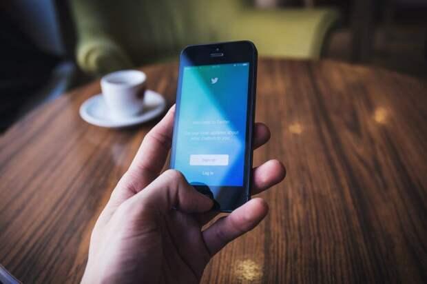 Twitter начал тестировать показ рекламы в разделе обсуждений