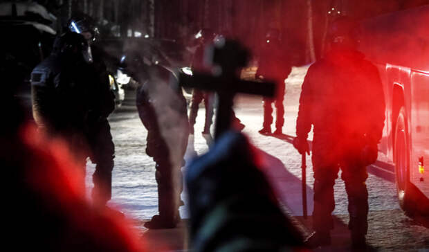 «Разбили окна иворвались»: ночью ОМОН взял штурмом Среднеуральский женский монастырь