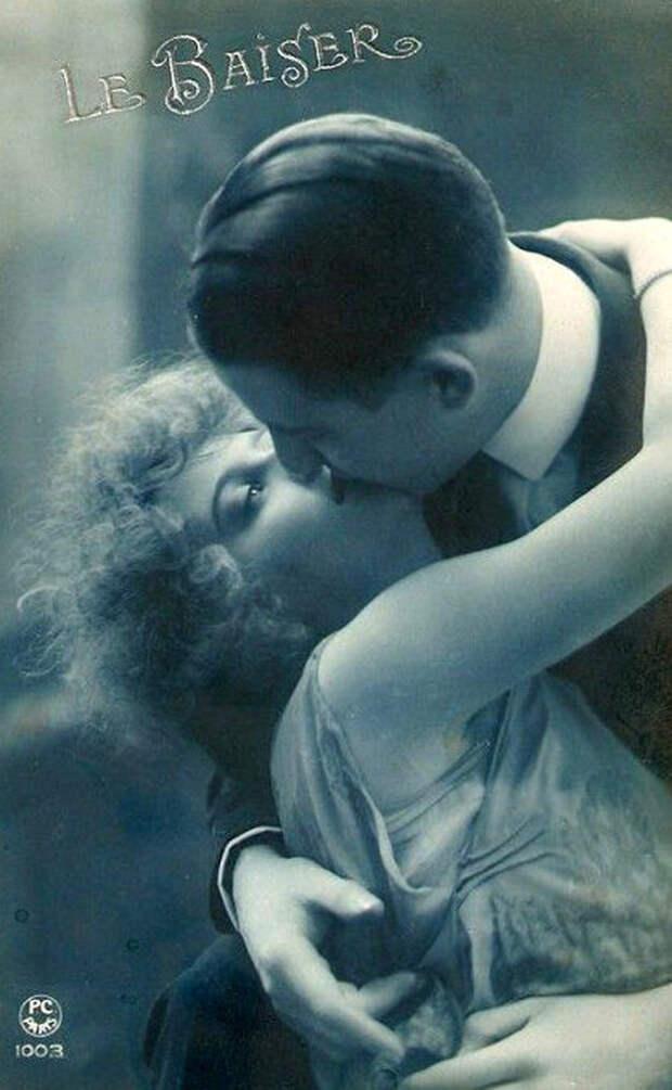 Французские открытки, в которых показано, как романтично целовались в 1920-е годы 31