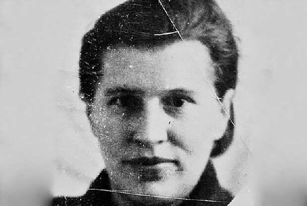 Почему нацистская женщина-палач, не скрываясь, жила в СССР?