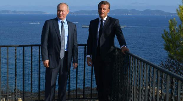 Макрон хочет провести в ближайшее время переговоры с Путиным