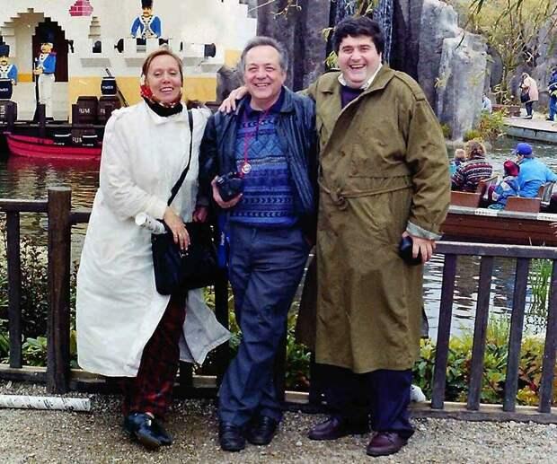 Галустьян с семьёй Прудовских. Фото из открытых источников.