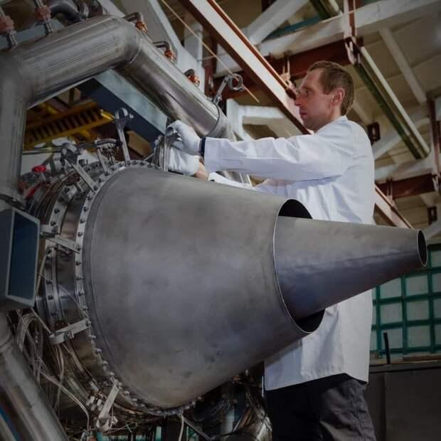 Ростех собрал первый опытный газогенератор двигателя ПД-8 для авиалайнера SSJ-NEW