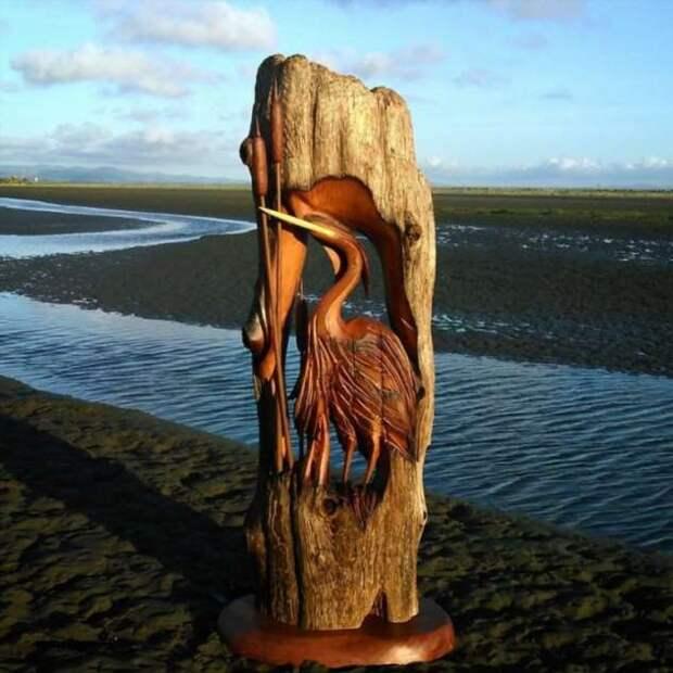Удивительные скульптуры, сделанные из кусков дерева, найденных на пляже