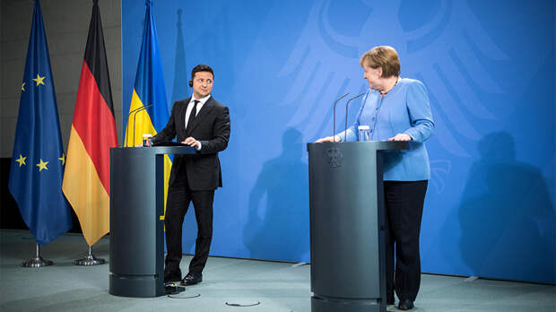 Меркель пообещала Зеленскому обеспечить транзит газа через Украину
