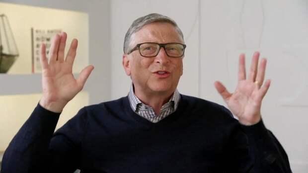 Гейтс покинул совет директоров Microsoft из-за романа с подчиненной