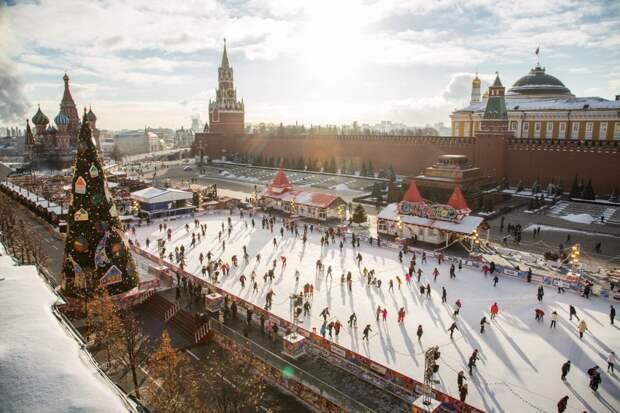 ⚡ На катке на Красной площади погиб человек