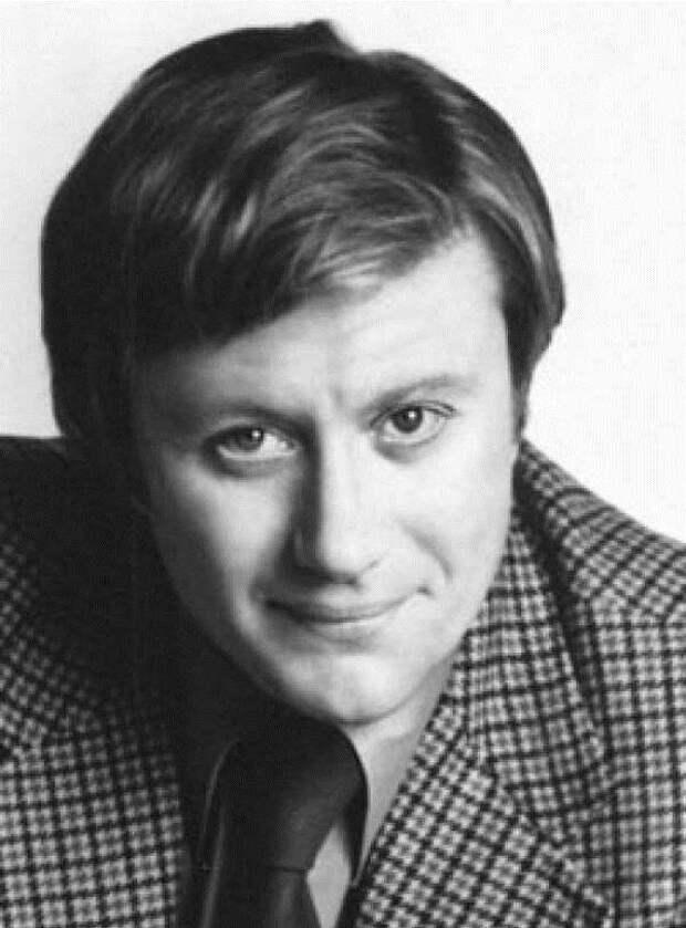 16-го августа 1987-го нас покинул замечательный советский актёр Андрей Миронов (1 фото + 15 видео)