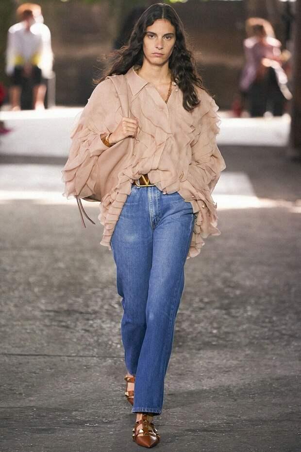 Самые элегантные джинсы для статусных дам