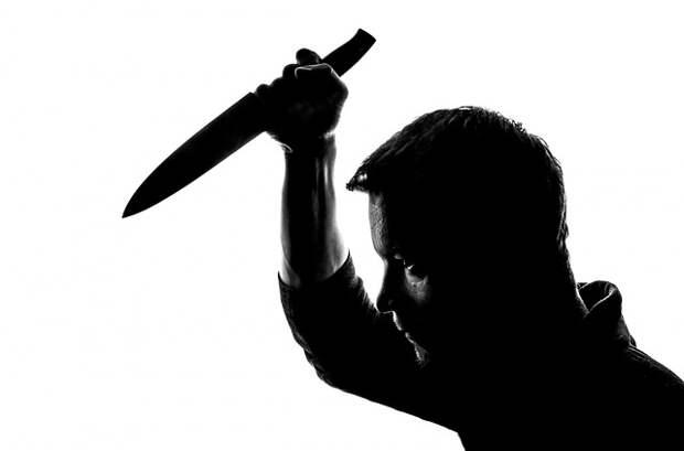Безработные с ножом устроили «гоп-стоп» двум мужчинам на Марьинском бульваре