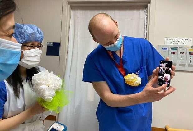 Медперсонал организовал свадебную церемонию для своей коллеги