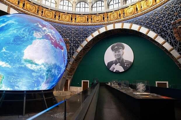 На ВДНХ снова появится портрет Гагарина, который сделал журналист «Комсомолки»
