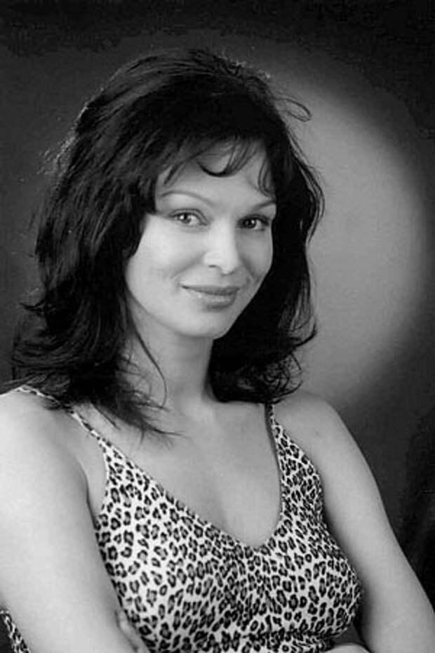 Звезда боевиков 90-ых Татьяна Скороходова.