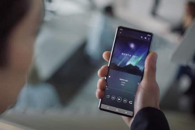 Sony показала потенциальный флагманский смартфон Xperia 2022 года в рекламе новых наушников