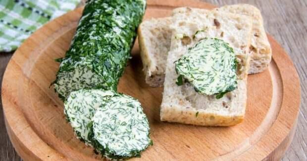 Зелёное масло с чесноком и плавленым сыром. Отличная намазка на любимые бутерброды 2