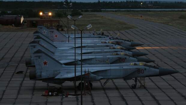 МиГ-31 проследовал за самолетом-разведчиком RC-135 ВВС США над Чукотским морем
