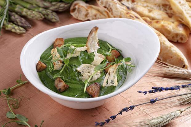 Белые грибы и шпинат: потрясающий постный суп за минуты
