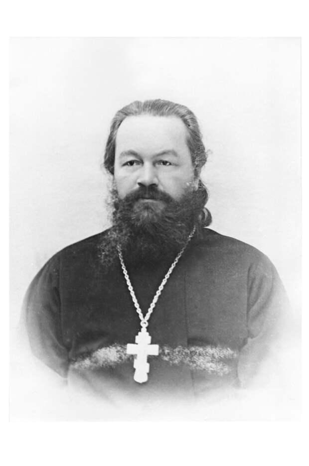«С крестом и Евангелием произносил большевистские проповеди»: духовенство на стороне большевиков в революции и Гражданской войне