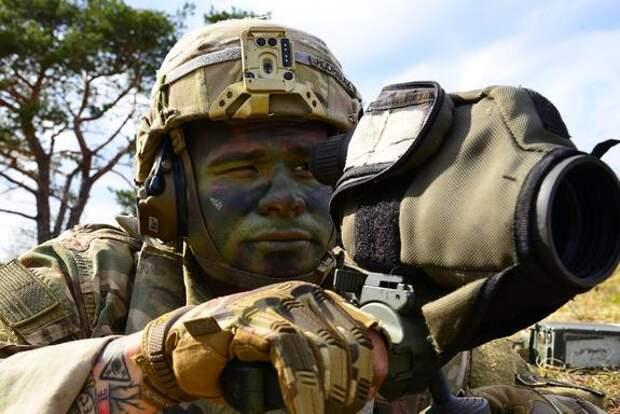 Издание Avia.pro: НАТО отправило в район линии фронта в Донбассе около сотни военных