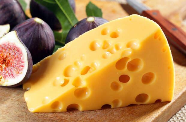 Замораживаем продукты в морозилке: сыр и рис хранятся месяцами
