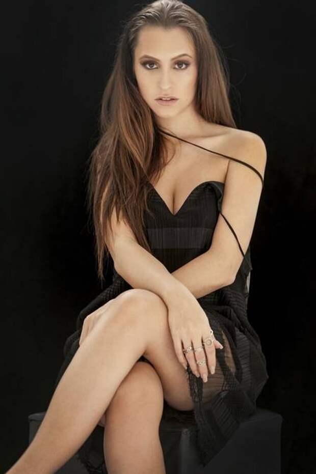 Девушка недели: повзрослевшая звезда сериала «Клон»