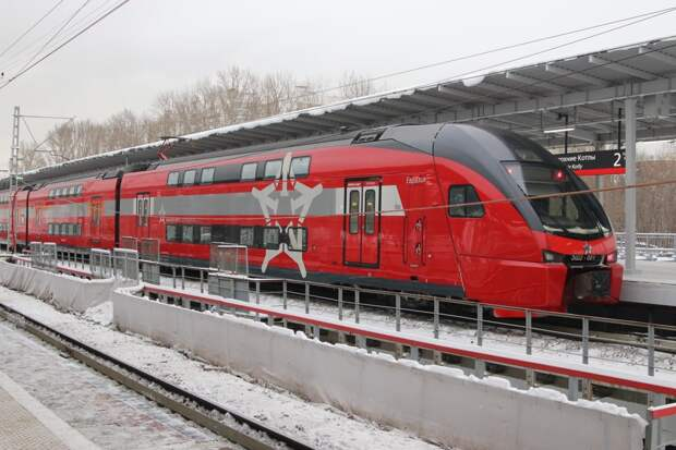 Во время снежной бури поезда Аэроэкспресса обслуживали усиленные бригады машинистов