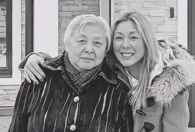 У Аниты Цой умерла мать