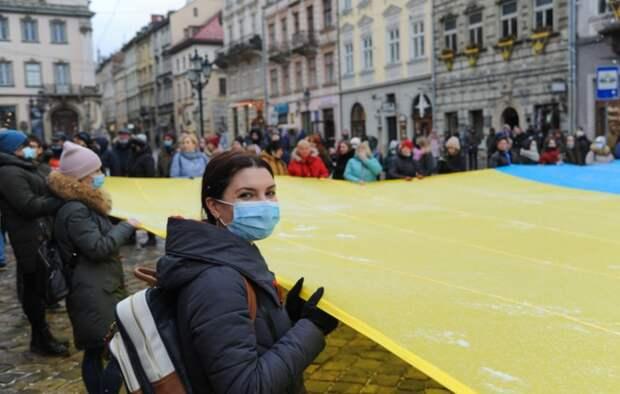 «Зачем ссориться ещё и с Белоруссией?»: Украинцы осудили Зеленского за авиаблокаду