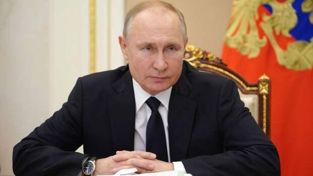 Путин оценил профессионализм и гражданскую позицию шахматиста Карпова