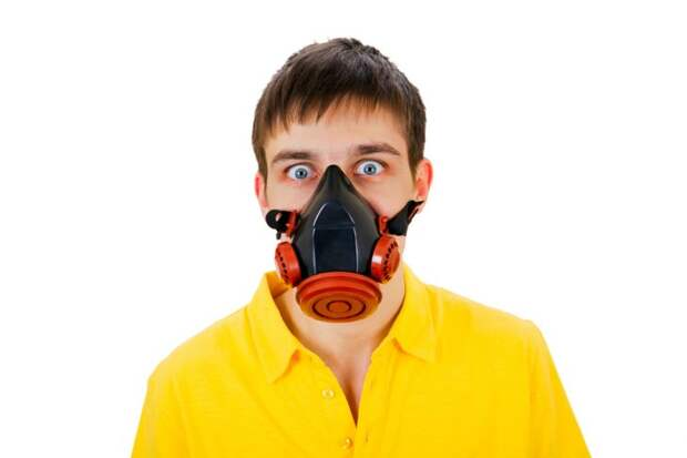 Слезоточивый газ против тараканов, а заодно и соседей…