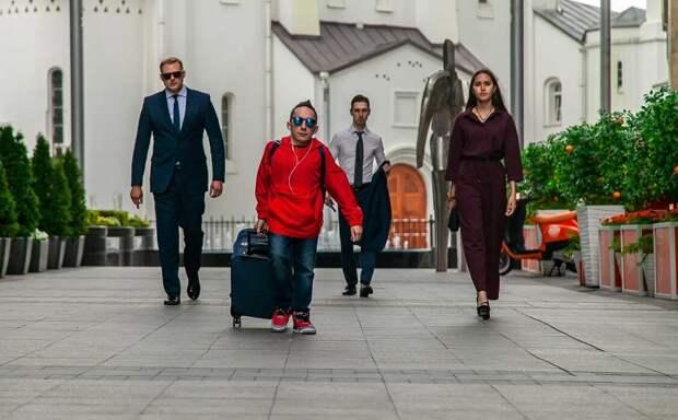 Сериал «По колено» продлен на второй сезон