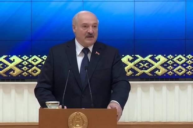 Эксперт объяснил, почему Лукашенко не нужны российские базы в Беларуси