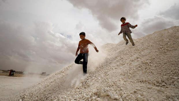 Россия призвала спасти детей из лагеря в Сирии