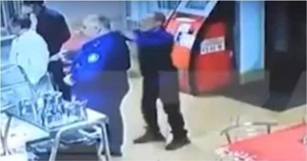 В Карачаево-Черкесии мужчина с ножом атаковал помощника прокурора