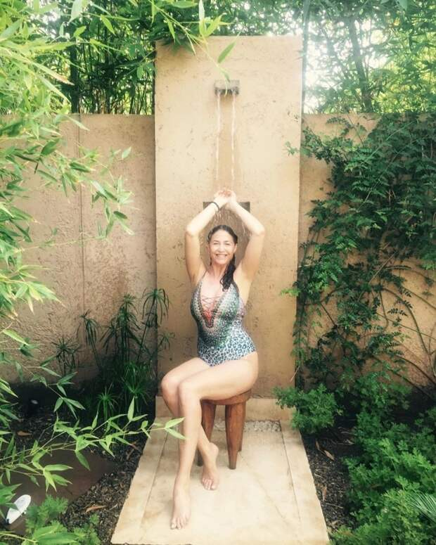 Соблазнительная прохлада: горячие фотографии красоток вдуше покоряют Инстаграм