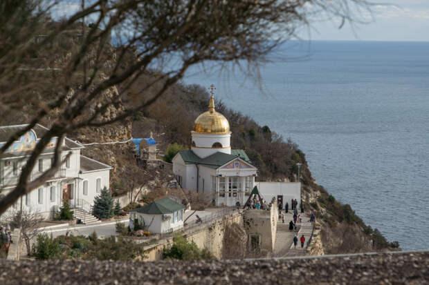 Развожаев назвал версию попадания зараженного туриста в Севастополь