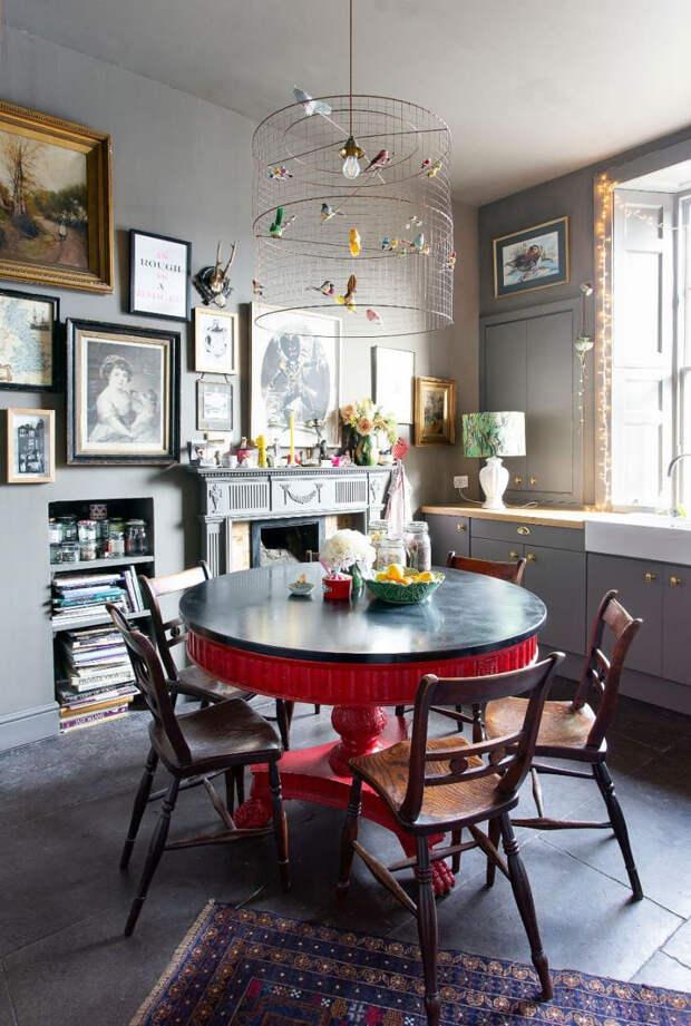 Яркая квартира с множеством мелочей в Эдинбурге
