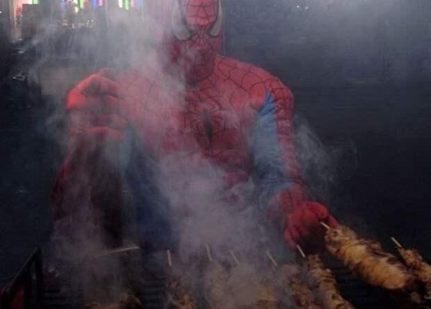 Даже человек-паук любит наш шашлык