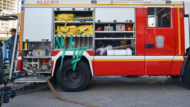 ВОренбурге немогут разыскать хозяина сгоревшего возле ТРЦ «Восход» автомобиля